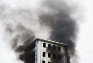 Gondoskodjon a társasházak tűzvédelmi szabályzatáról szakértők bevonásával!